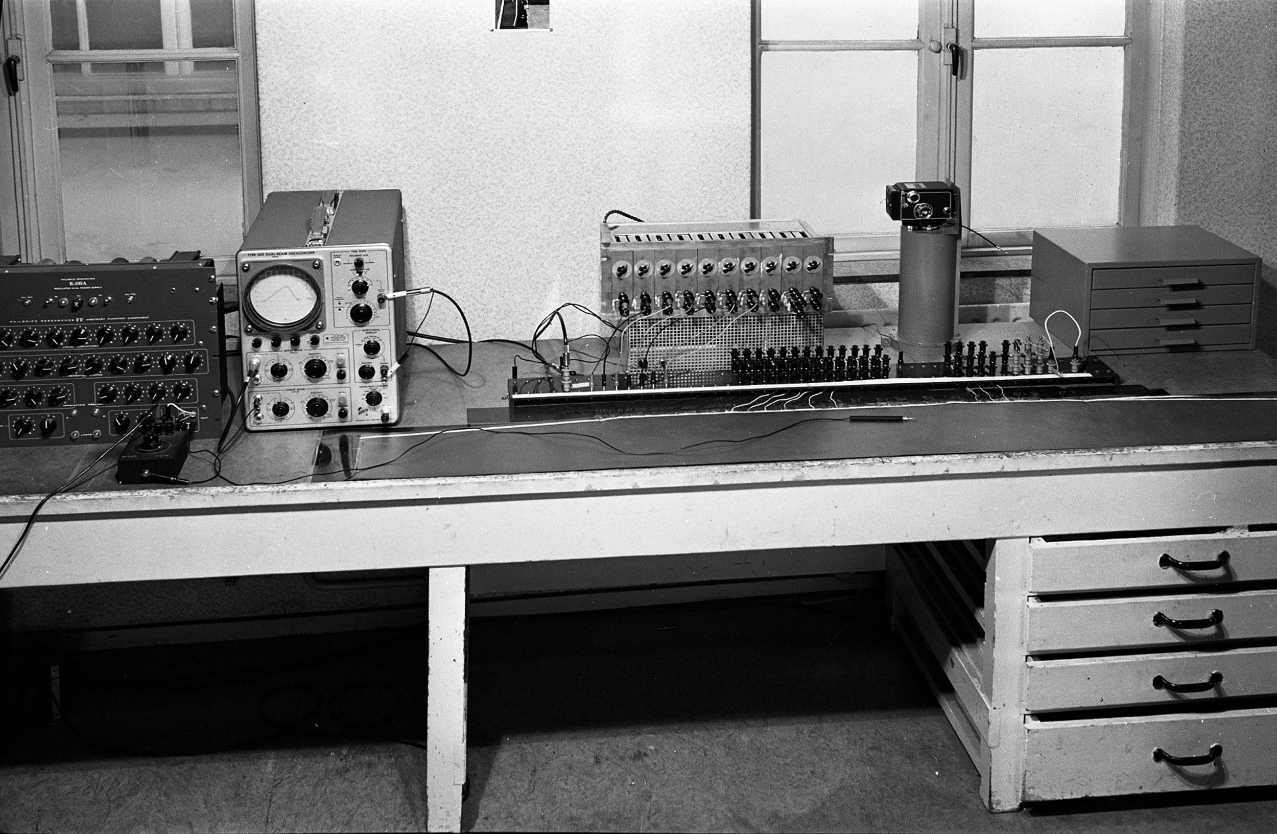 field computing setup using conductive paper at Rijkswaterstaat (Dutch Water Authority), early 1950's.