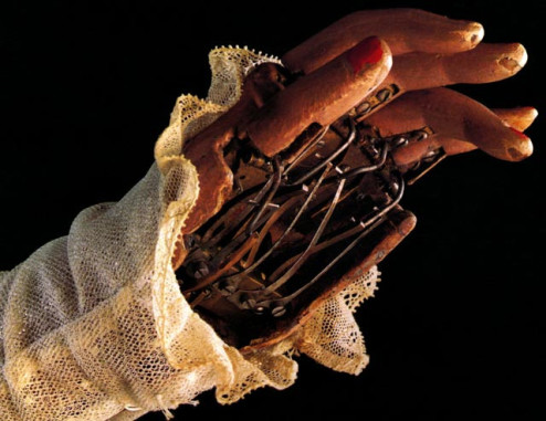 Hand of automaton by Pierre Jaquet-Droz.